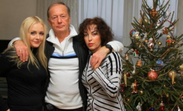 Михаил Задорнов со своей женой Алёной и дочерью Еленой