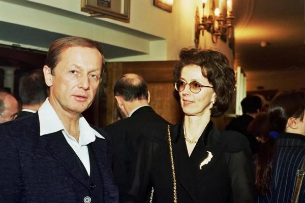 На фото: Михаил Задорнов и его первая жена Велта Задорнова (Калнберзина)