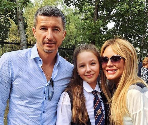 Юлия Началова с Евгением Алдониным и их дочерью Верой