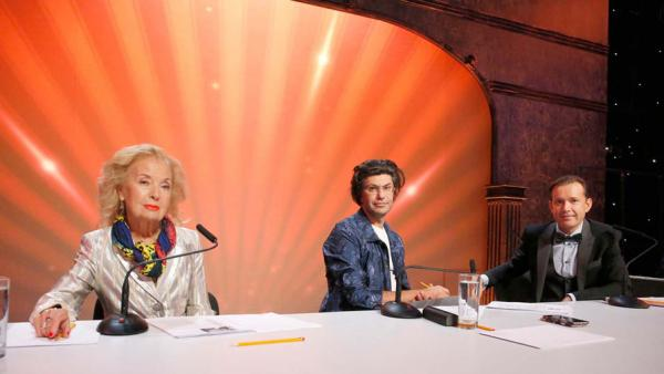 На фото: жюри детского конкурса «Синяя птица»: Светлана Безродная, Николай Цискаридзе, Олег Погудин