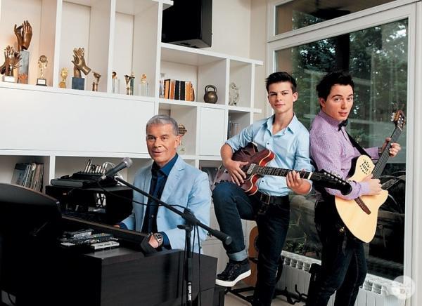 Олег Газманов с сыновьями