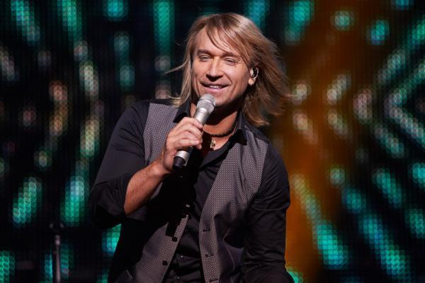 Олег Винник на сцене