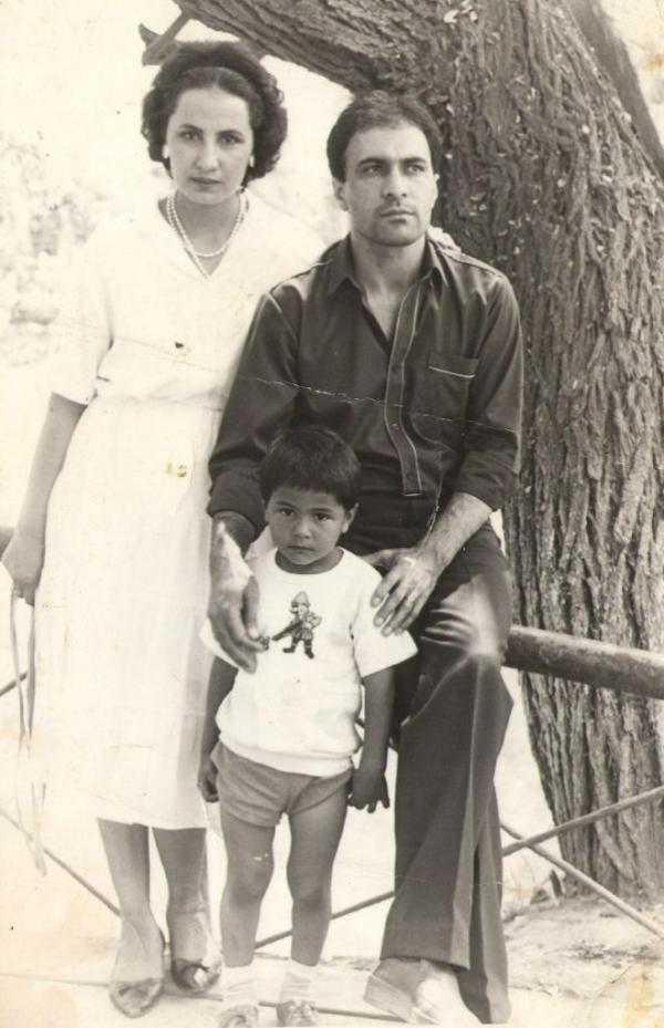 Натан Миров со своими родителями