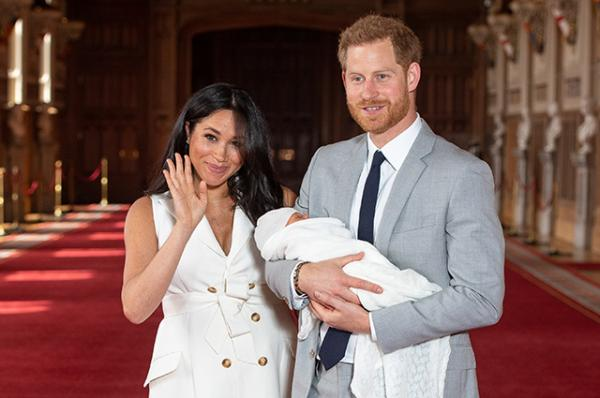 На фото: Принц Гарри и Меган Маркл с сыном Арчи