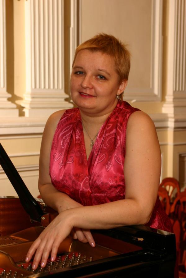 Пианистка Стадлер Юлия Валентиновна