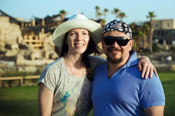 На фото: Сергей Трофимов с женой Анастасией