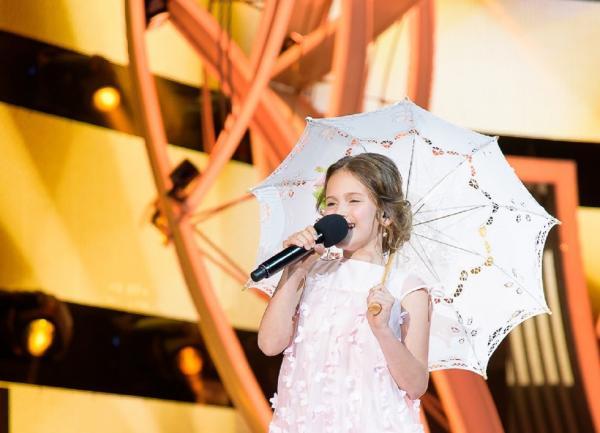 Лиза Трофимова на конкурсе «Детская Новая волна»