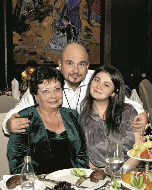 Сергей Трофимов с мамой Галиной Федоровной и дочерью Анной