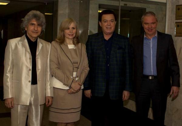 На фото: Симон Осиашвили и его жена в Кремле после концерта