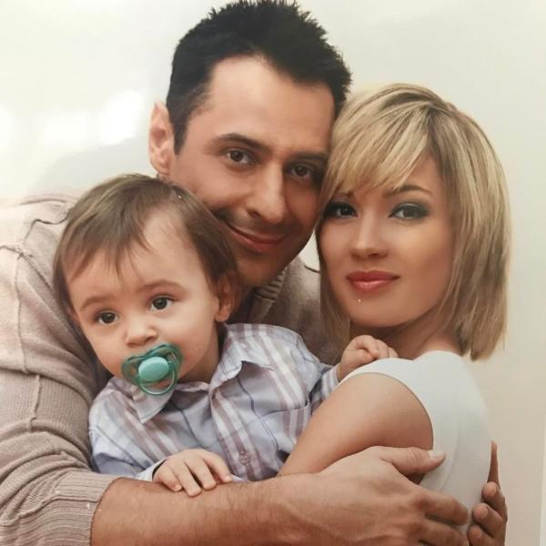 На фото: Стас Костюшкин с женой Юлией и сыном Богданом