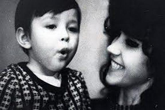 Витас в детстве с мамой