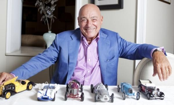 Владимир Познер с коллекцией автомобилей
