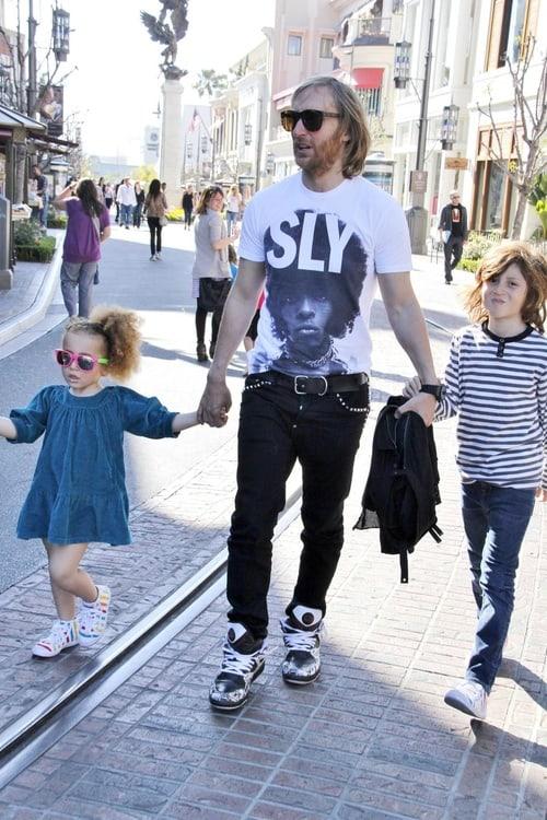 На фото: Дэвид и его дети