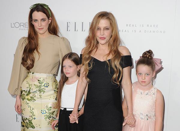 Лиза Мария Пресли с тремя дочками