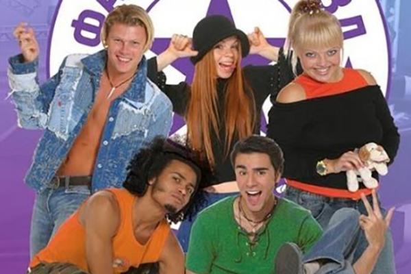 На фото: Мигель на шоу «Фабрика звезд 5»