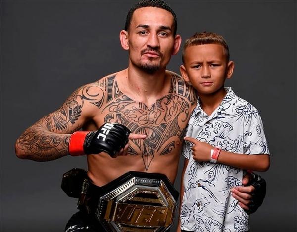 Макс с сыном Рашем