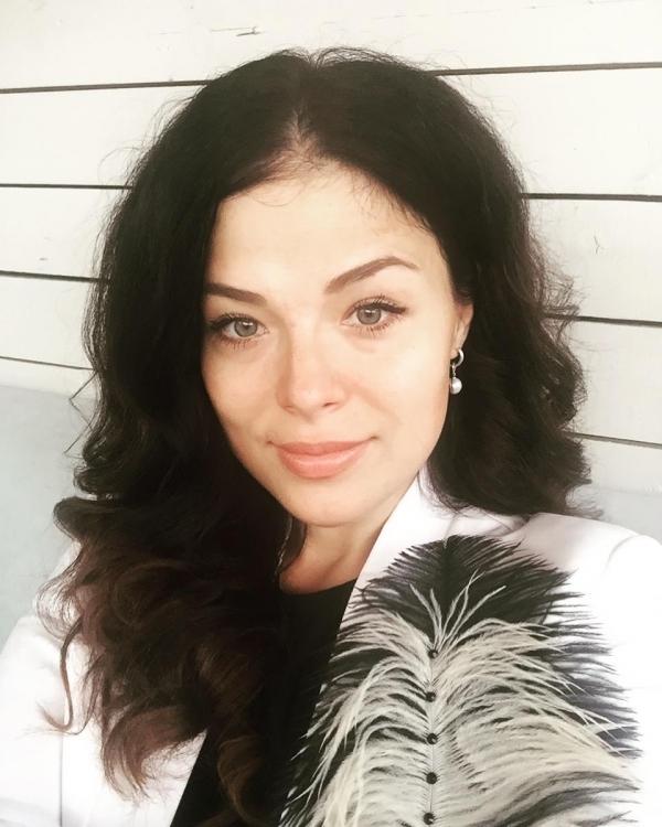 Алеся Худякова - супруга Романа Худякова