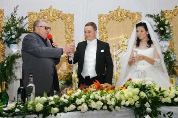 Владимир Жириновский присутствовал на свадьбе Романа Худякова