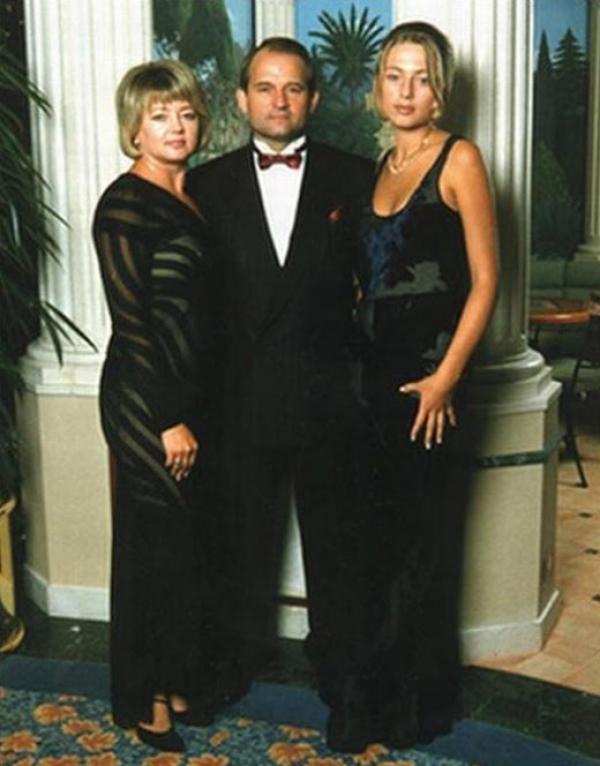 Медведчук с женой Натальей и дочерью Ириной
